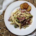 pasta med Prosciutto og broccoli